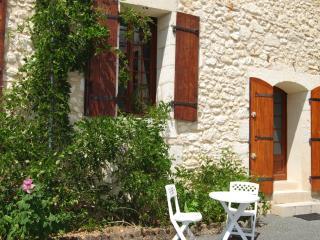 La Marquise - Les Quatre Puits - Montguyon vacation rentals