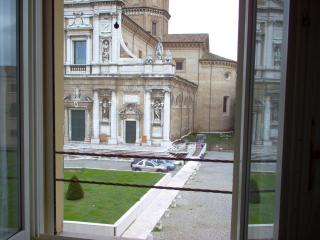 La Loggetta apt 2, in historic center, parking - Ravenna vacation rentals