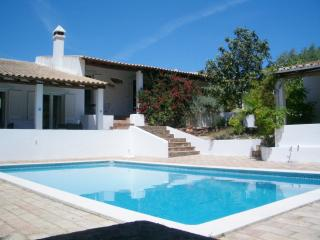 Figueira. 4 bed Villa + Pool - Loule vacation rentals