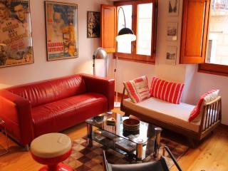 DESIGN & VINTAGE STUDIO - Old Quarter - Girona vacation rentals