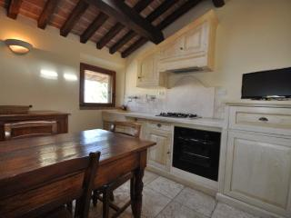 Pretty Tuscan apartment rental in San Vincenzo, sleeps up to 5 - San Vincenzo vacation rentals