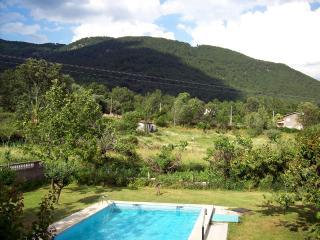 Amatalasviñas-Apartamento 1 - Piedralaves vacation rentals