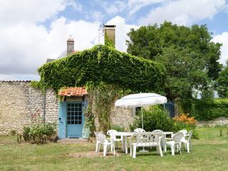 Gite Chateau de Beaufief - Saint Jean d'Angely vacation rentals