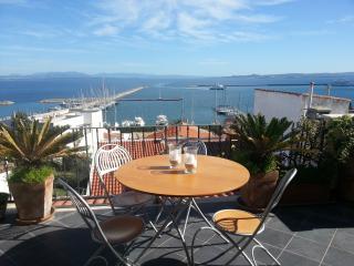 Attico panoramico in paese - Carloforte vacation rentals