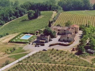 Classic Tuscan farmhouse on a hilltop with brilliant views of the countryside, outdoor pool - San Gimignano vacation rentals