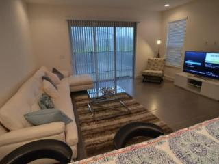 3 Large Bedrooms With 3 Modern Bathrooms And Private Splash Pool 17516PA - Orlando vacation rentals