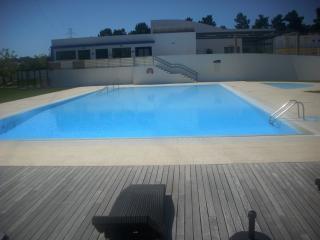 GOLF RESORT APT FREE WIFI /AIR/CON/ GOOD BALCONY - Palmela vacation rentals