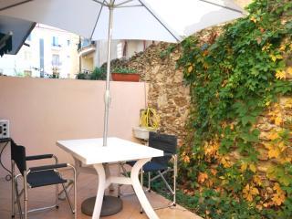 Bilocale con giardinetto - Finale Ligure vacation rentals
