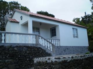 Girassol 1 bedroom/ocean view/breakfast included - Pico vacation rentals