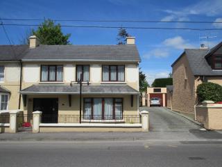 Fair Hill - Modern Town House-Great Location-Wi-Fi - Killarney vacation rentals