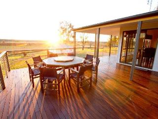 Stockton Rise Country Retreat - Brisbane vacation rentals