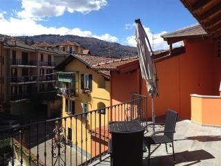 Urban and elegant La Lombarda Apt. 2A Stresa - Stresa vacation rentals