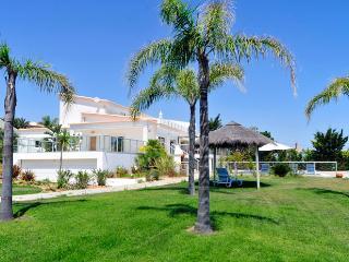 Villa Quinta Sao Francisco - Patroves vacation rentals