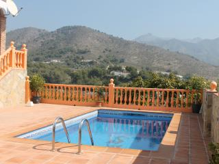 VILLA NURIA. WIFI. PRÍVATE POOL. BEACH 5 minutes. - Frigiliana vacation rentals
