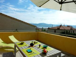 Appartement Terrasse Duplex - Quartier Casone - Ajaccio vacation rentals