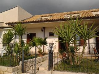 villa antonio-adriana - Marina di Ragusa vacation rentals