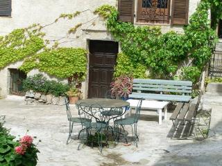 Studio petit village Calvi - Calvi vacation rentals