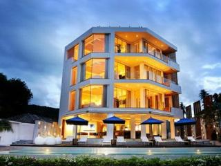Luxurious Phuket penthouse - Cherngtalay vacation rentals