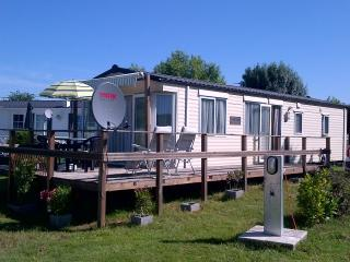 Luxury Mobile Home - Duras vacation rentals