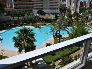 Popular complex - 2 bedrom apt - Benidorm vacation rentals
