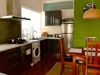 Modern 1BR guesthouse in seaside suburb sleeps 5 - Adelaide vacation rentals