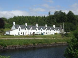 Crinan Canal Cottage - Cairnbaan vacation rentals
