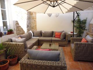 Numero Cinq - Bed & Breakfast - St Genies de Fontedit vacation rentals