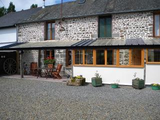 Le Pre b and b sleeps 6 - Manche vacation rentals