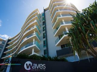 WAVES LUXURY BEACH APARTMENT - Redcliffe vacation rentals