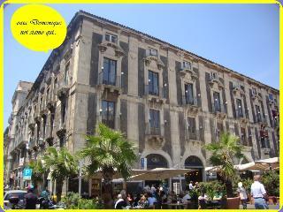 Casa Vacanze MIRO Piazza Duomo - Catania vacation rentals