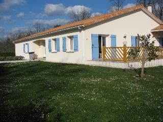 Spacious Charente Bungalow - Ecuras vacation rentals