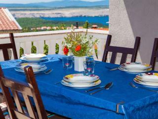 Apartmani Loncar A2 - Jadranovo vacation rentals