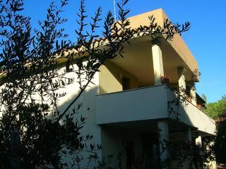 San Giovanni Mare GIALLO - Posada vacation rentals