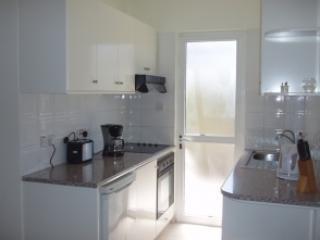 Kitchen - 4 Ground Floor 1 Bedroom Apartment - Lachi - rentals