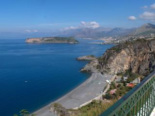 Una casa che guarda il mare - San Nicola Arcella vacation rentals