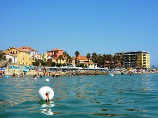 Onde del mare - San Lorenzo al Mare vacation rentals