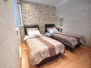 Apartman Dora - Split vacation rentals