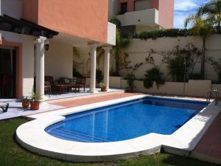 Amazing Villa Los Nebrales - Coin vacation rentals