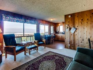 Cape Cod Cottages - Unit 11 - Seal Rock vacation rentals