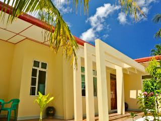 CHARMING HOLIDAY LODGE - Hulhumeedhoo vacation rentals