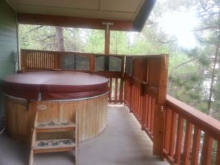 Beautiful Custom home with hot tub on second floor balcony - Pinetop vacation rentals