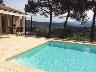 4 Bedroom Villa with a Fireplace and Balcony, in Vaison near Mont Ventoux - Vaison-la-Romaine vacation rentals
