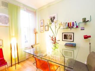 Bright, charming Hackney apartment - London vacation rentals