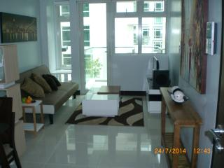 Stunning 1 Bedroom at Resort World - Pasay vacation rentals