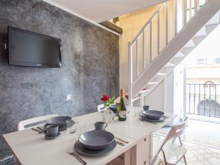 ENJOY NAPLES - Elegant studio - Naples vacation rentals