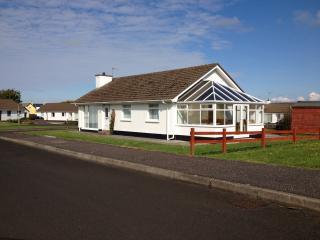 portballintrae bungalow - Portballintrae vacation rentals