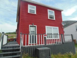 KITTIWAKE COTTAGE Overlooking the Ocean - Bay Bulls vacation rentals