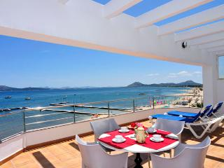 Beachfront apartment Miramar - Port de Pollenca vacation rentals