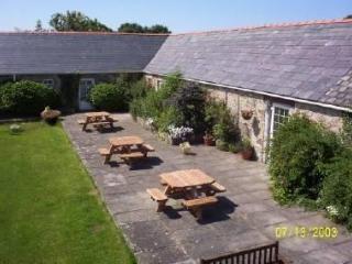 1 Glantraeth Farm Holiday Cottage - Bodorgan vacation rentals