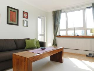 South Hampstead 1 Bed Flat  Zone 2 Close to Center - London vacation rentals